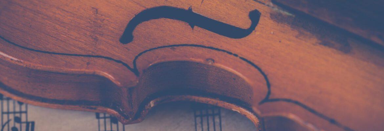 pexels-ylanite-koppens-Geige